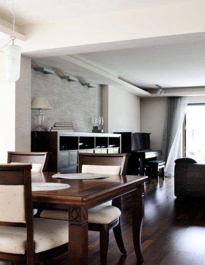 12-3 Format Design, projekt domu jednorodzinnego, projekt jadalni, jadalnia, wypoczynek, lama wisząca, komoda, podłoga drewniana