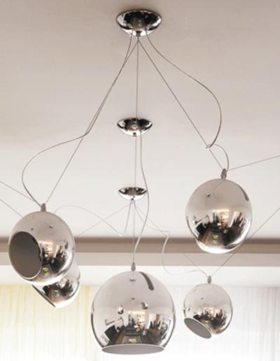 13-7 Format Design, projekt mieszkania, projekt salonu, lampa wiszące, aranżacja okien