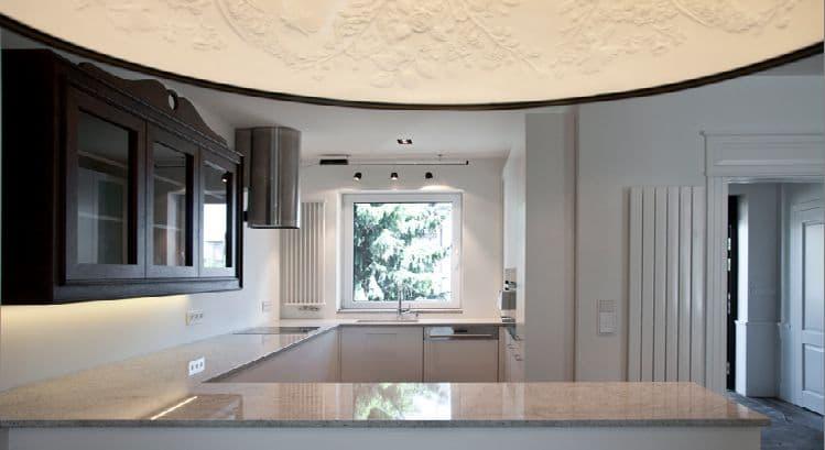 14-1 Format Design, projekt domu , projekt kuchni, lampa wisząca, grzejnik, blat kuchenny, futryna z kasetonem