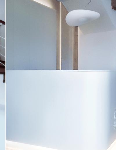 15-5 Format Design, projekt biurowca Poznań , projekt klatki schodowej, projekt schodów, lada, lada podświetlana, lampa wisząca