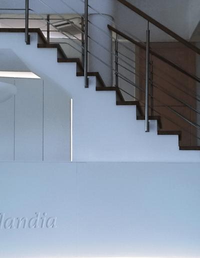 15-6 Format Design, projekt biura Poznań , projekt recepcji, lada, szafa podświetlana
