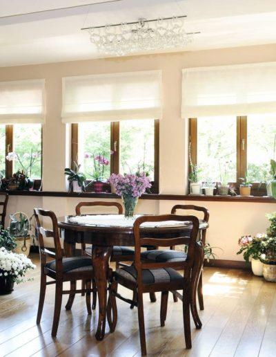 16-3 Format Design, projektant wnętrz, projekt domu Poznań, jadalnia, podłoga drewniana,