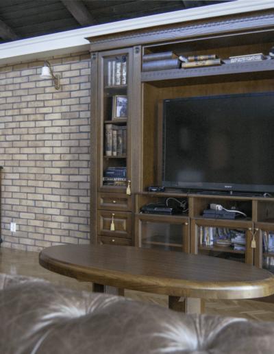 2-10-Format-Design-dom-jednorodzinny-projekt-pokoju-relaksu-ściana-z-płytek-z-cegły