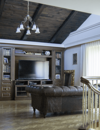 2-9-Format-Design-dom-jednorodzinny-w-Poznaniu-pokój-relaksu-wypoczynek-regał-telewizyjny-schody-drewniane