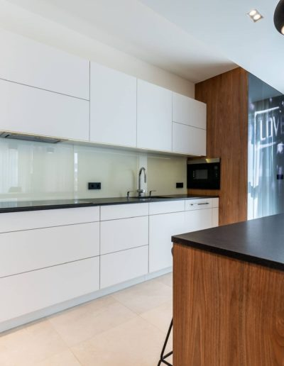 3-12-Format-Design-projekt-apartamentu-kuchnia-sktytka-kuchenna