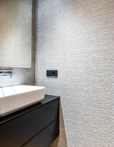 3-25-Format-Design-projekt-apartamentu-toaleta-umywalka-nablatowa