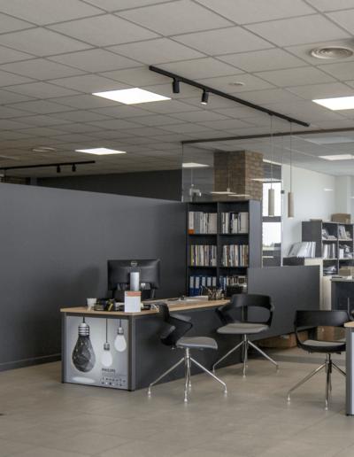 4-4-Format-Design-biuro-fotele-biurowe-grafika-biurka-grafika-stanowisko-pracy