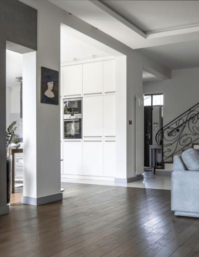 5-4-Format-Design-dom-rodzinny-salonbalustrada-kuta-wypoczynek