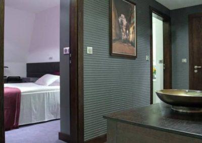 6-2-Format-Design-projekt-mieszkania-korytarz-tapeta-drzwi-obraz