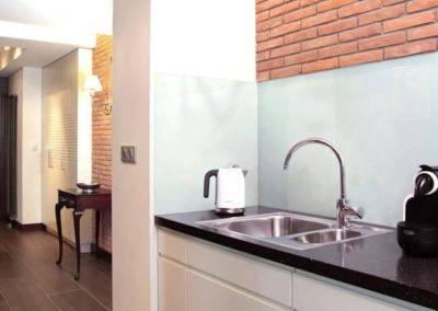 6-8-Format-Design-projekt-mieszkania-korytarz-kuchnia-zlewozmywak-zabudowa-stropu