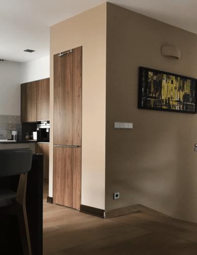 7-10-Format-Design-projekt-domu-jednorodzinnego-kuchnia-spiżarnia-balustrada-zeszkła-projekt-oświetlenia