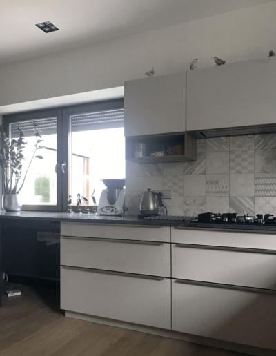 7-14-Format-Design-projekt-domu-jednorodzinnego-kuchnia-okap-pod-zabudowę-osprzęt-elektryczny-blat-kuchenny