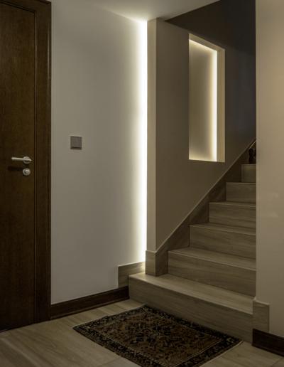 7-18-Format-Design-projekt-domu-jednorodzinnego-korytarz-wnęka-podświetlana-podświetlenie-LED