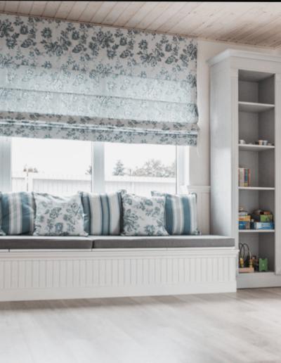 9-1-Format-Design-projekt-domu-letniskowego-podłoga-bielona-aranżacja-okien